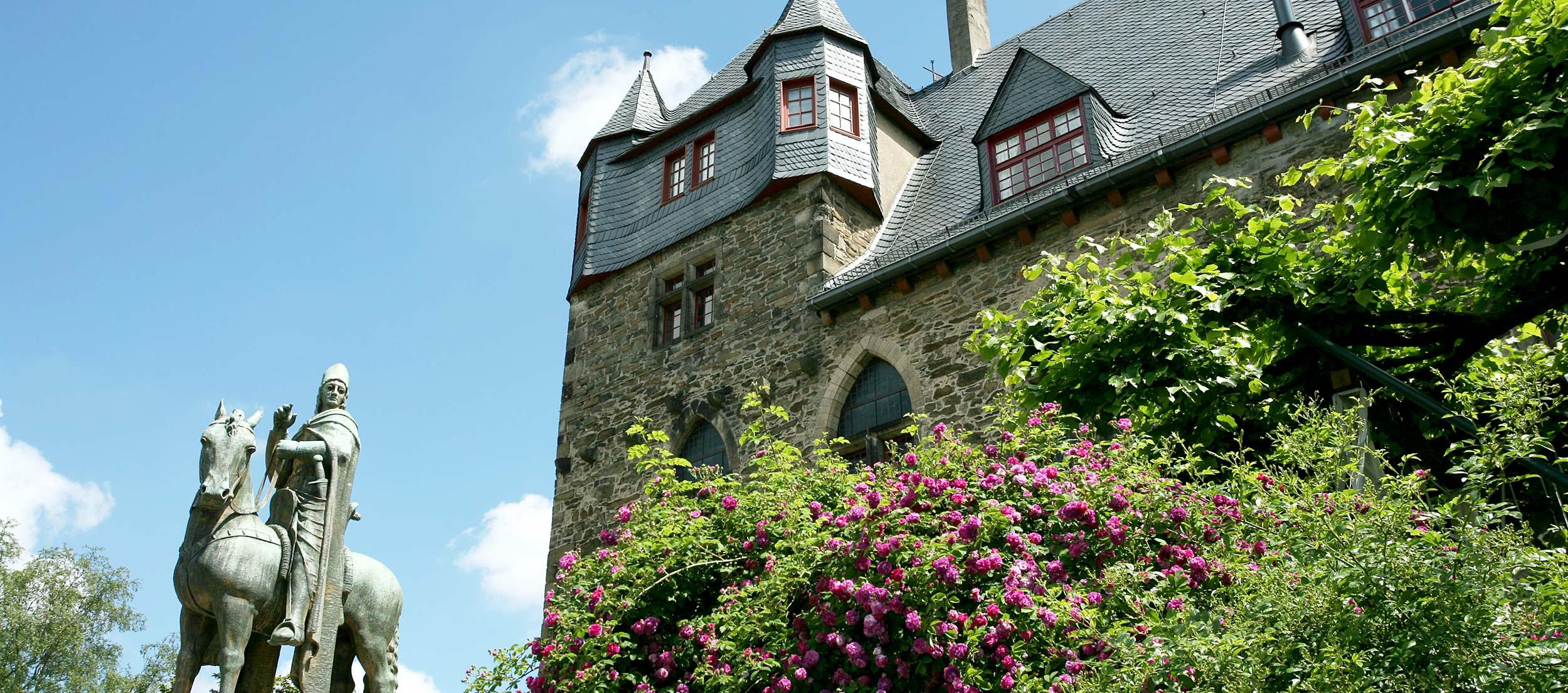 St. Engelbert auf Schloss Burg